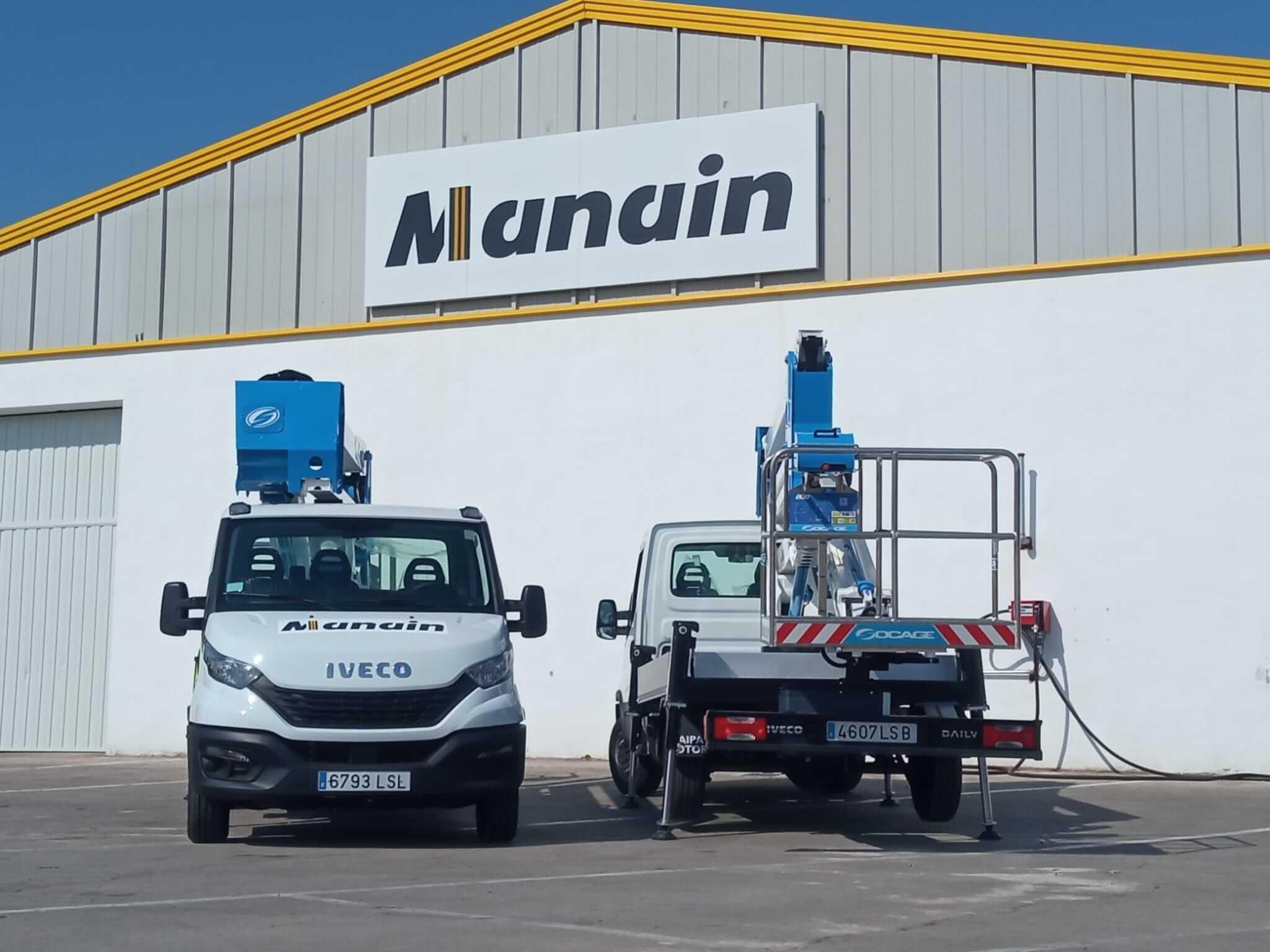 Incorporamos camiones cesta con estabilizadores automáticos para alquiler